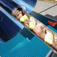 Kuřecí nugetky s pórkem po provensálsku ze slunečního vařiče