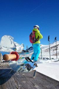 Grilování se slunečním grilem na sněhu v -7 stupních Celsia